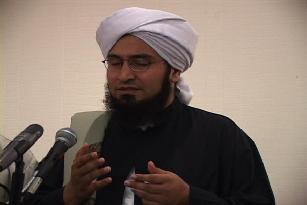 https://sachrony.files.wordpress.com/2007/10/habib-ali-al-jufri.jpg