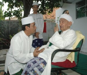 Sayyidul Walid habib Abdurrahman assegaf bersama putranya